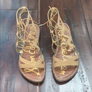 Gemma sandal